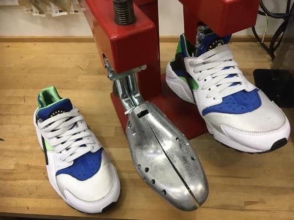 靴のサイズ調整も承ります!!